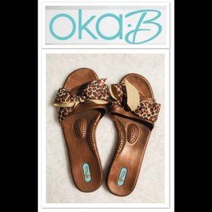 NWOT 🌿OKA b. Sandals size 8/9